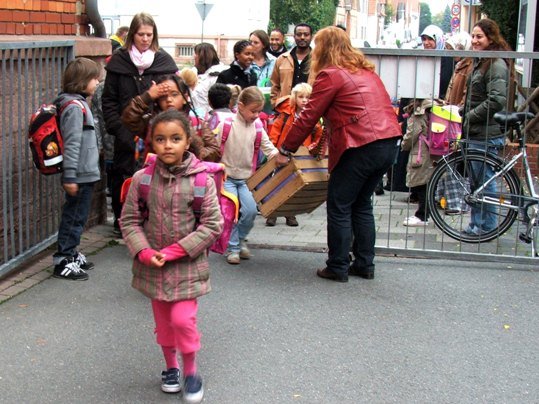 Zu Fuß zur Schule 2010